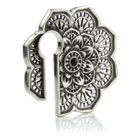 1x Geometric Flower Silver Brass Ear Weight
